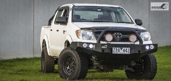 Toyota Hilux '05 -'15 Bull bar1